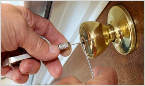 locksmith lockpicking door lock
